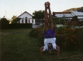 Head Stand in gymnastics
