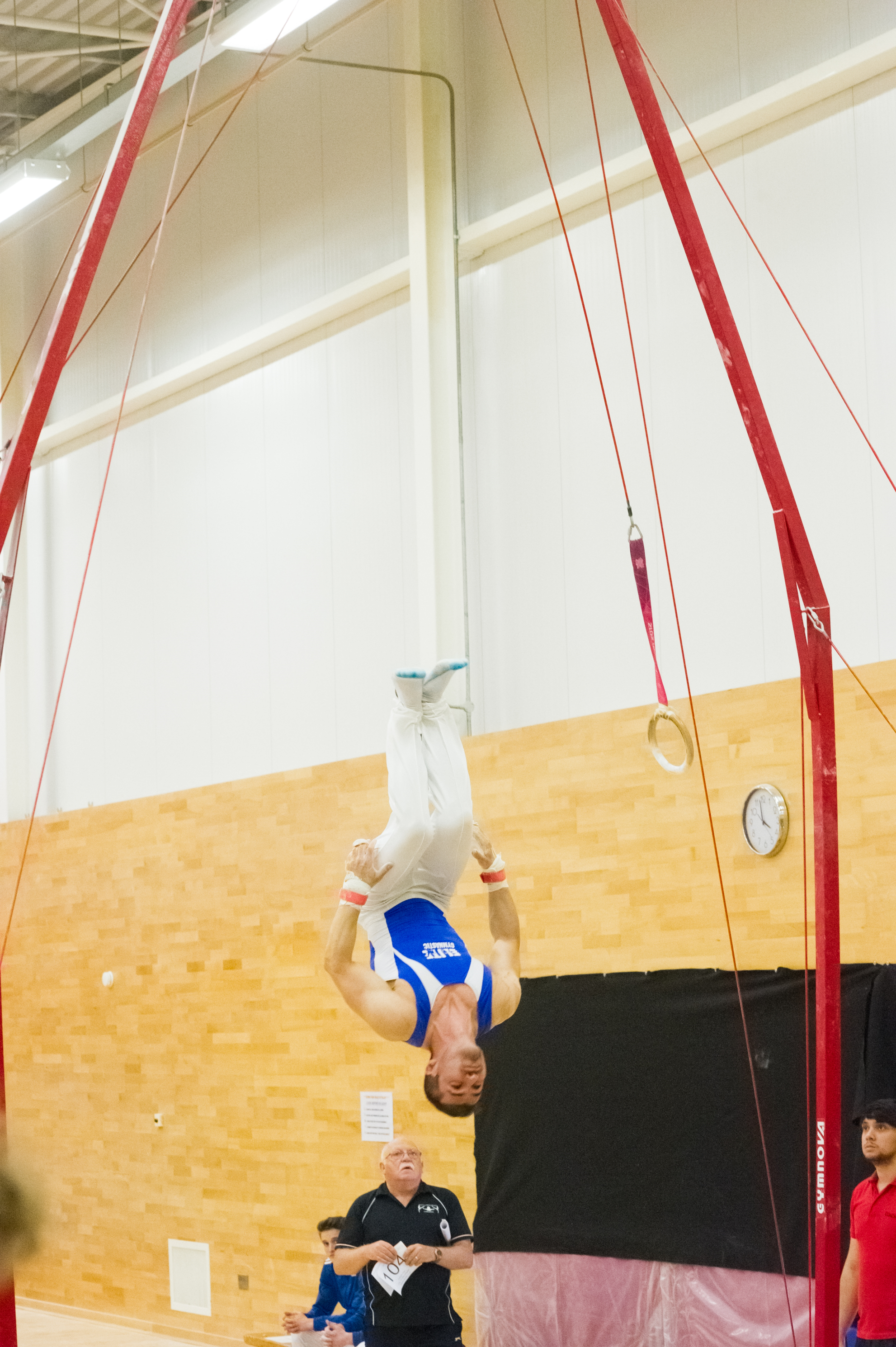 Dismount on the Rings at the London Open - Westminster Cup